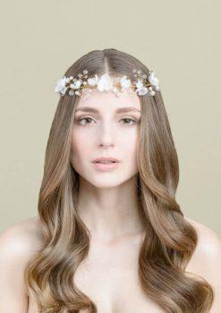 Dezentes, aber luxuriöses Haarband für offene Brautfrisuren