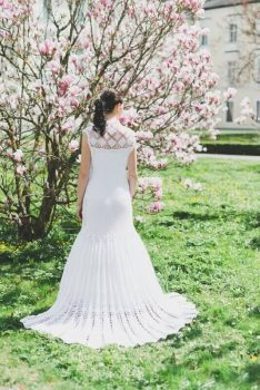 Gehäkelte Brautkleider liegen absolut im Trend!