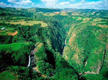 Landschaften in der Karibik laden zum wandern ein