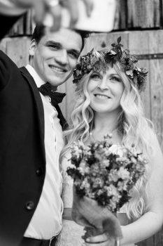 Schwarz weiß Foto Brautpaar Selfie